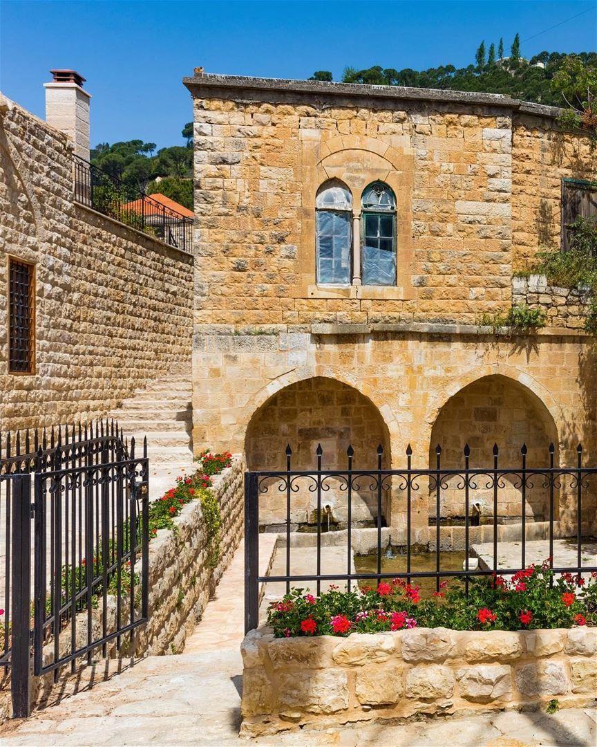 (Dayr Al Qamar, Mont-Liban, Lebanon) | LEBANON | Pinterest ...  (Dayr Al Qamar,...