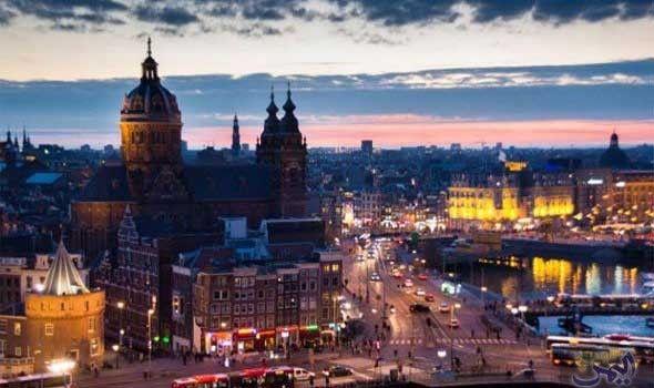 مدينة أمستردام عاصمة هولندا تعتلي لائحة أجمل المدن الأوروبية في الصيف Canals Travel Netherlands