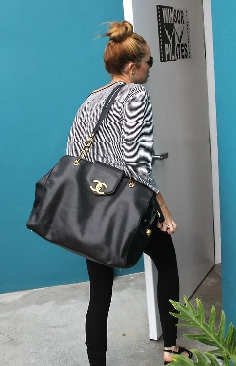 7132ee8da8c860 big chanel bag- dream carry on bag!!! i want this!! | My Style in ...