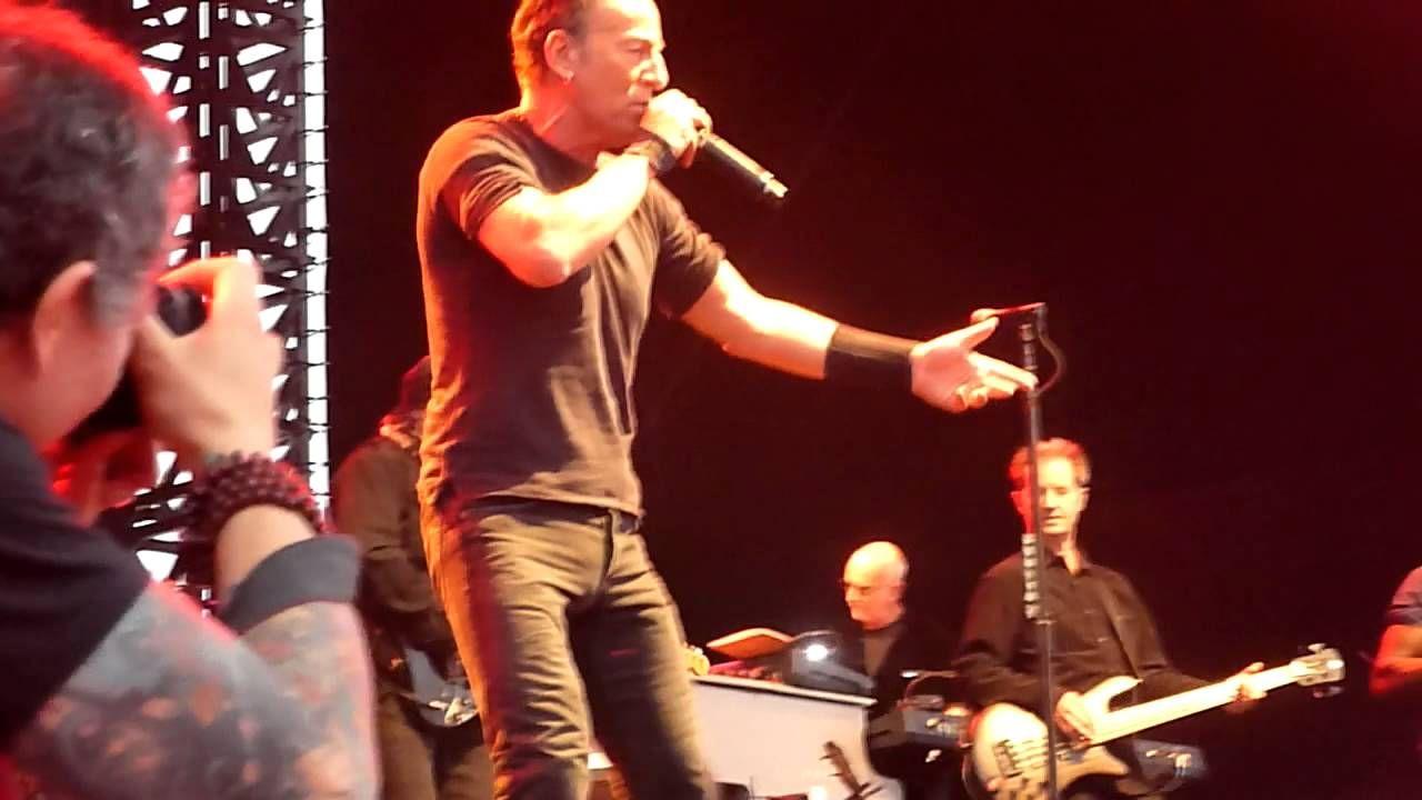 Spill The Wine Bruce Springsteen Hope Estate 23 2 2014 Bruce Springsteen European Music Bruce