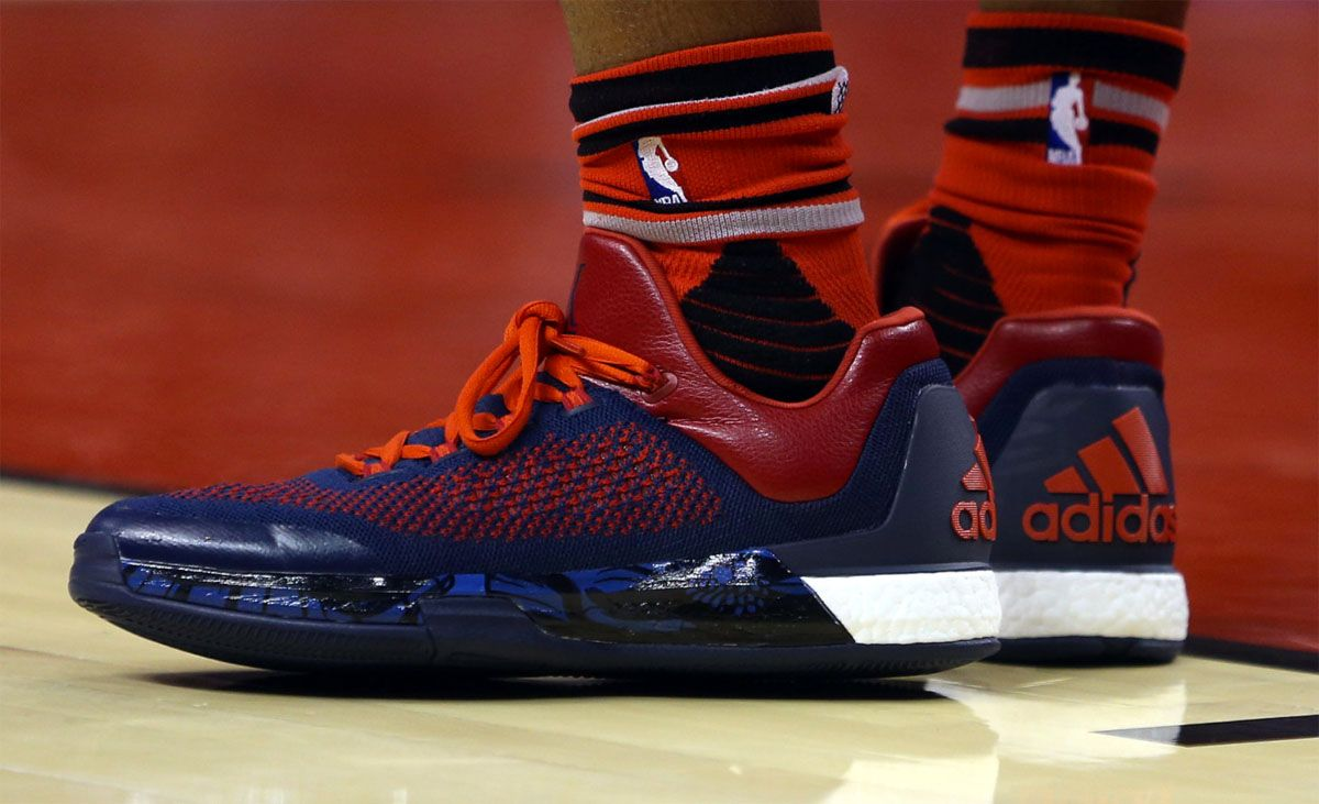 04f75923610a Kyle Lowry wearing the  Veteran s Day  adidas CrazylightBoost 2015 ...