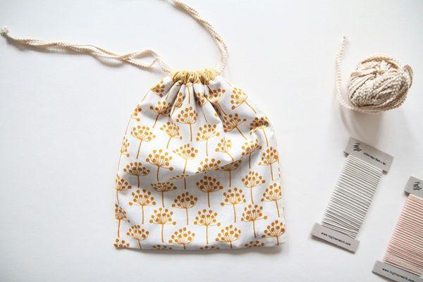 Drawstring Bag Tutorial - Diy bags tutorial, Drawstring bag tutorials, Diy bags, Drawstring bag diy, Diy bag, Bags tutorial - This tutorial will show you how to make a simple drawstring bag