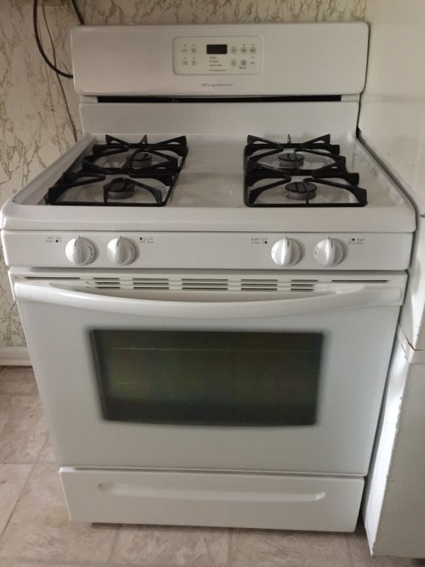 Used Normal Wear Frigidaire 30 Gas Self Cleaning Range In Very Good