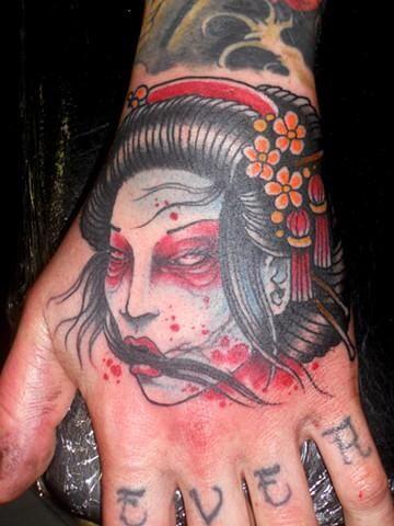 11 Enchanting Geisha Hand Tattoos Tattoos Hand Tattoos Asian Tattoos