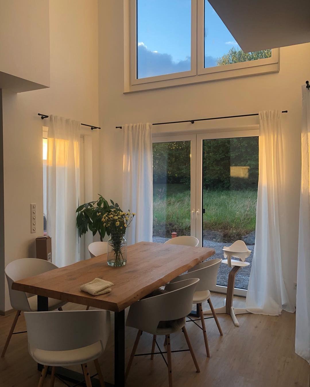 Lisa On Instagram Ein Tisch Bekommt Hier Knapp 10 Mal So Viele Herzchen Wie Ein Baby Tja So Ist Sie Die Verdreh Home Interior Design Home House Interior