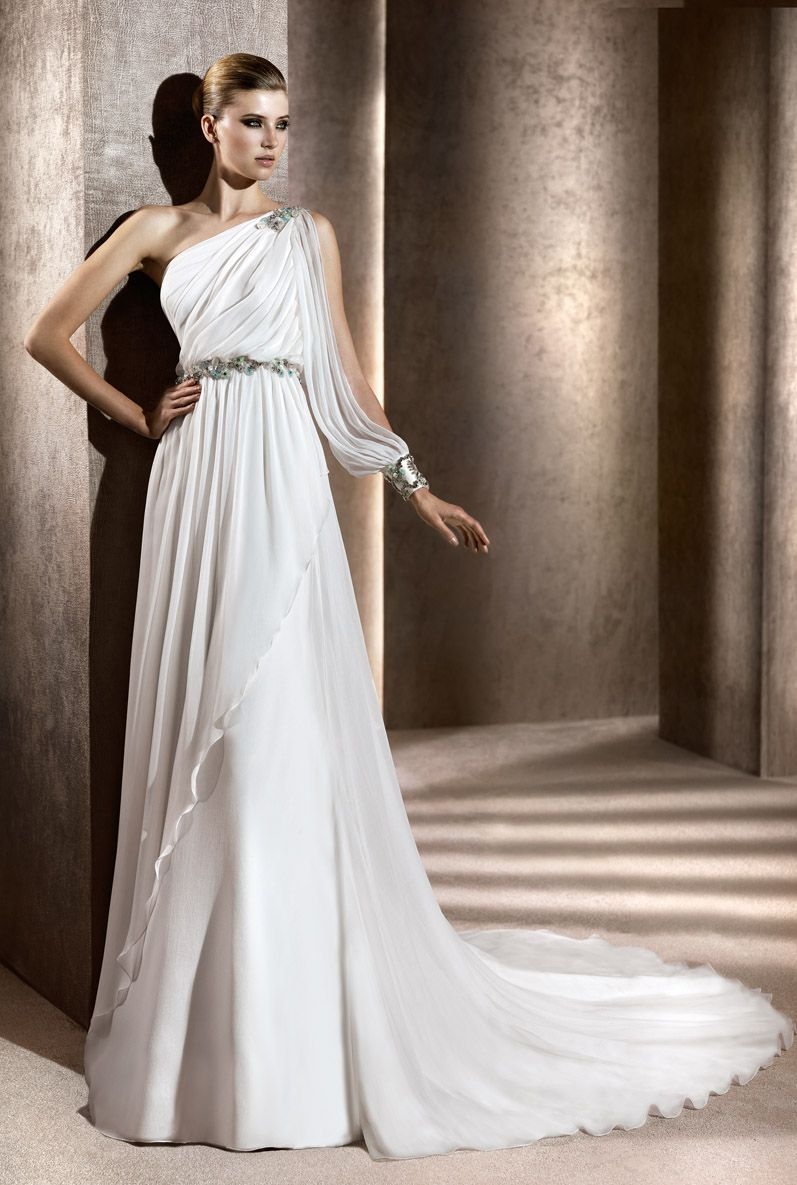 One strap wedding dress  White dressuc  Couture  Pinterest  White dress Changue  and Dresses