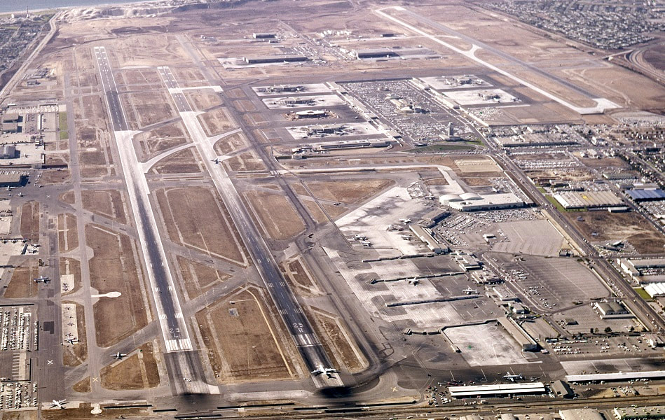 Special Lax In The 1960s Part 1 A Visual History Of The World S Great Airports Los Angeles International Airport Aerial Images Aerial View