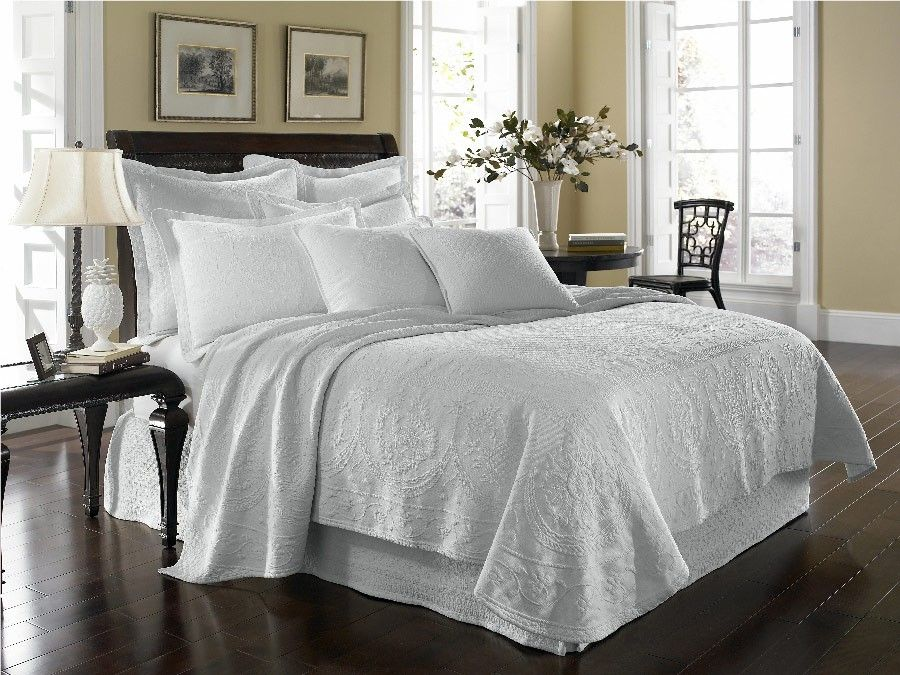White King Charles Matelasse Queen Bedskirt Discount