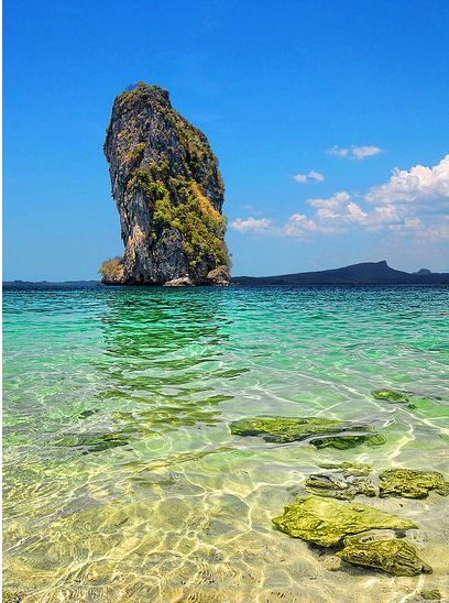 "This is a shot from one of the many beautiful beaches in Thailand - on a small island called ""Kho Poda""."