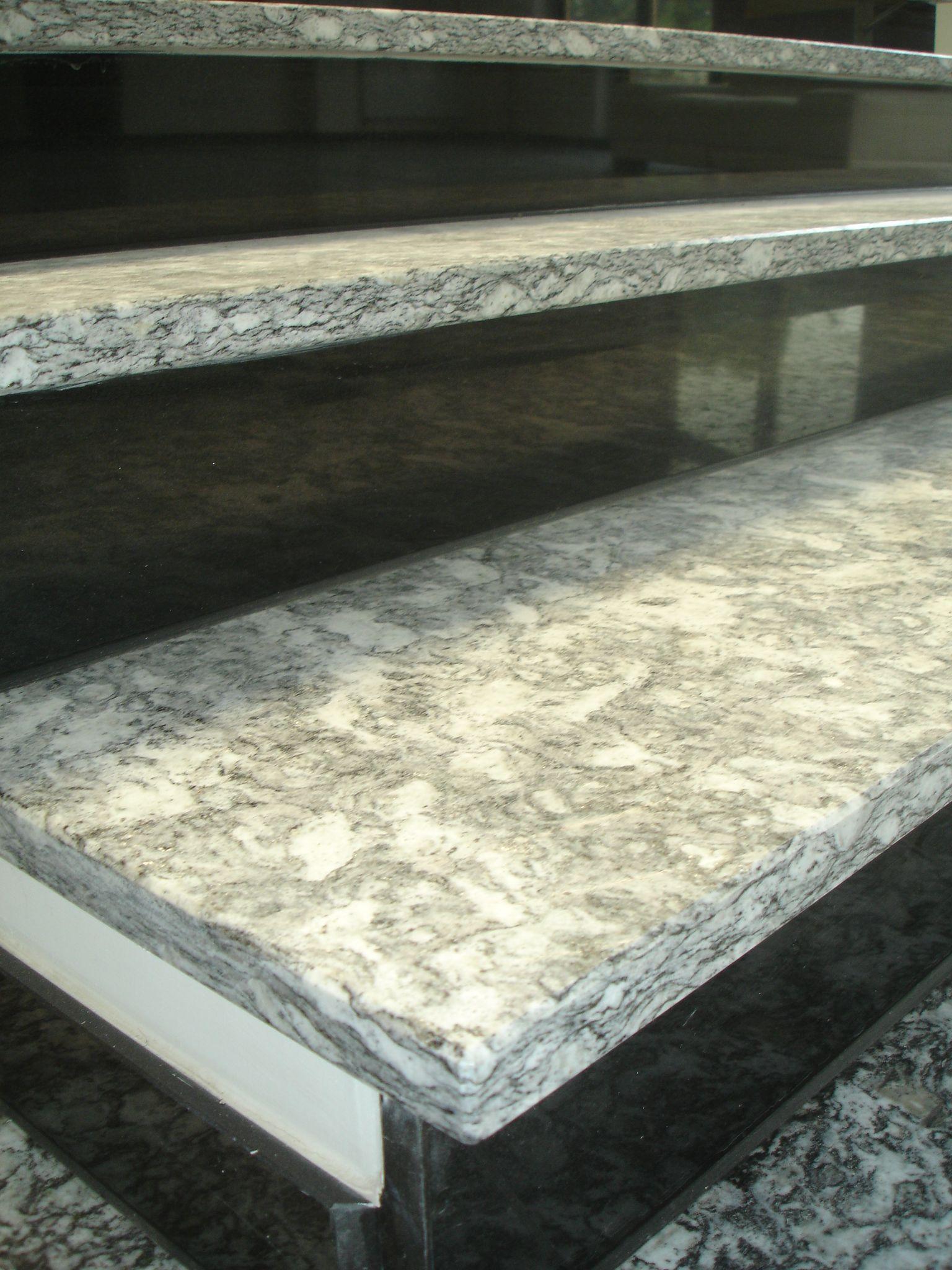 Bei Naturstein Treppen ist natürlich die Sicherheit das A und O.  http://www.granit-deutschland.net/naturstein-treppen-stabile-naturstein-treppen