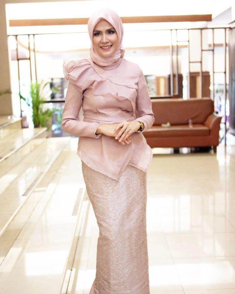 Pin By Hilda On Baju Kebaya Dress Muslimah Dress Fashion