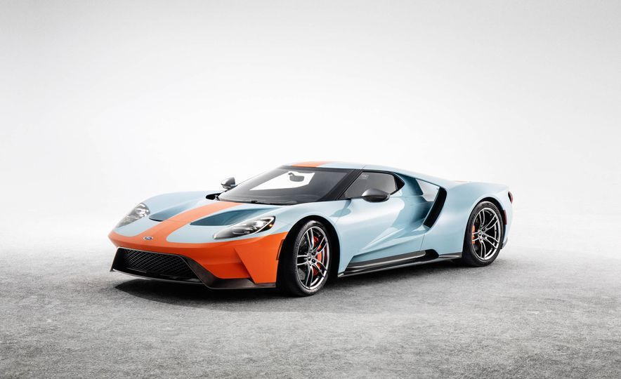 2019 Ford Gt Heritage Edition Wears Gulf Livery Of Le Mans Winning Gt40 Photos Ford Gt Sports Car Ford Gt40