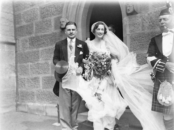pictures of 1930s brides   1930s Chic Vintage Bride Nora Jay