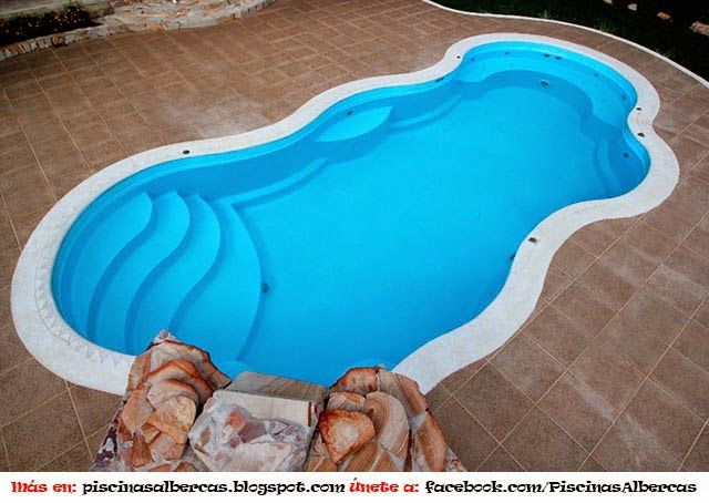 Piscina de poli ster fibra de vidrio piletas con for Diseno de piscinas en fibra de vidrio