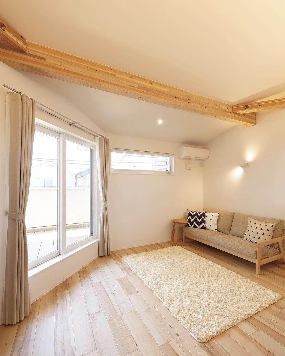 デザオ建設 On Instagram 光がまわる白い壁 天井の梁をアクセントに