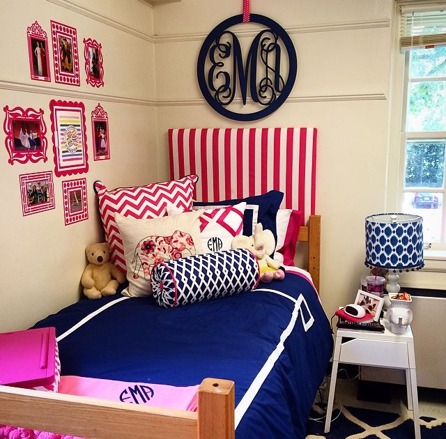 College Apartment Living Room: ♚♚Kelly's Preppy Style ♥♘