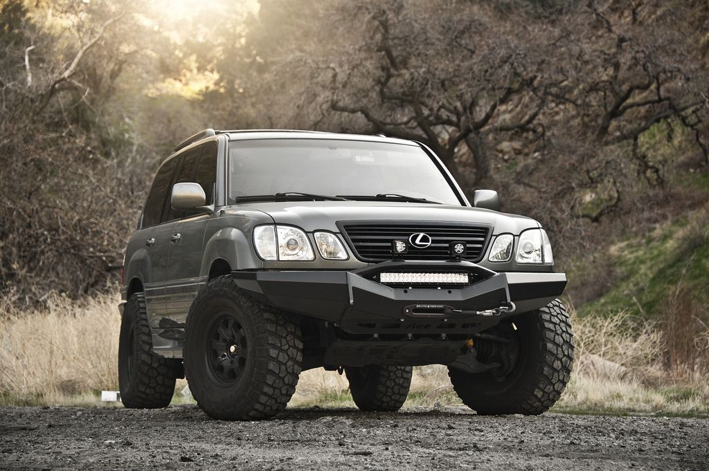 Rigid LED Light Bar on Slee Front Bumper | Land Cruisers | Lexus
