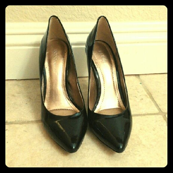 BCBG Black Pumps Beautiful black pumps from BCBGeneration. Worn twice, in excellent condition! A classic pump for literally ANY look! BCBGeneration Shoes Heels