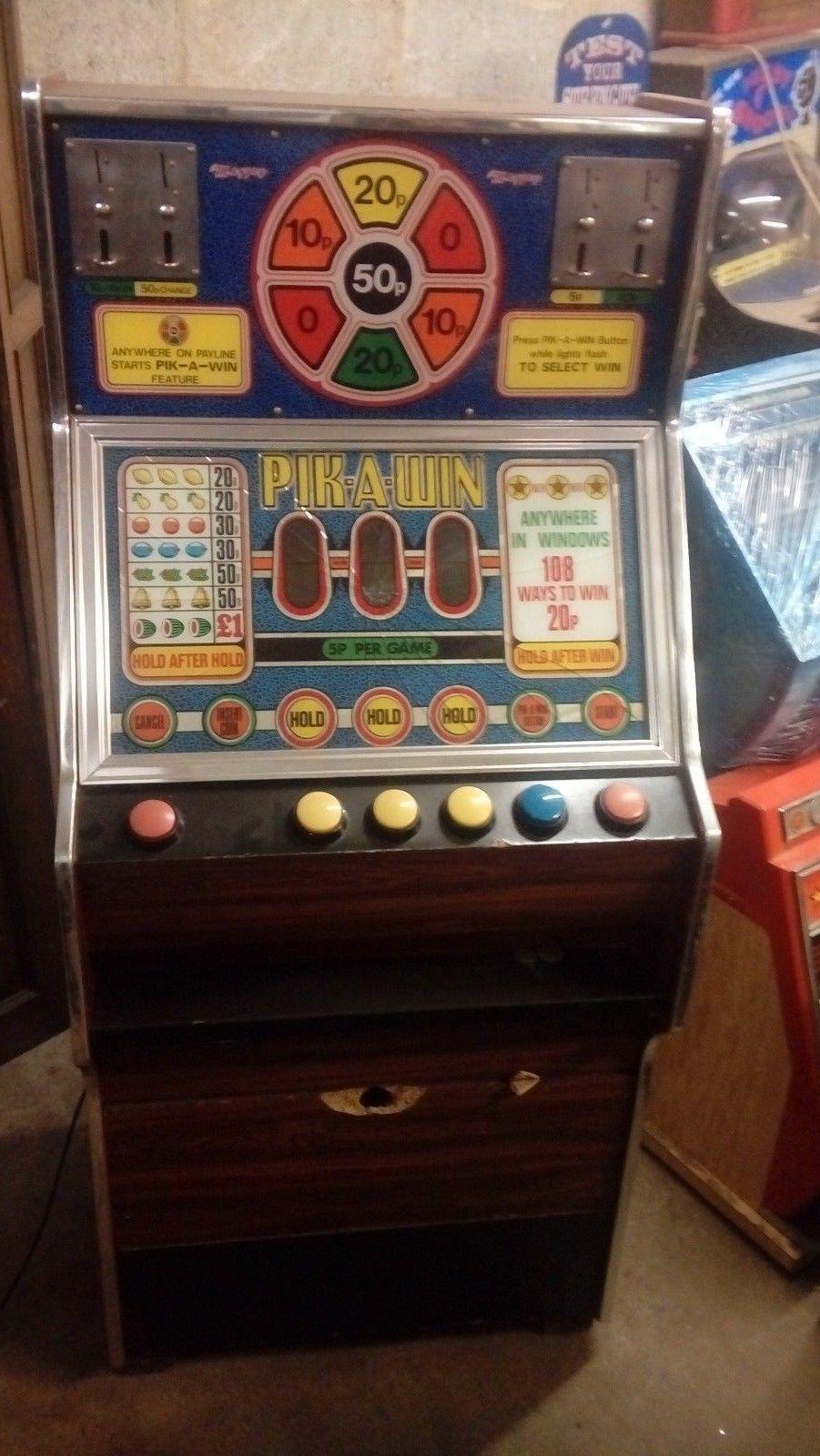 Maygay PikAWin fruit machine, 5p/play with a £1 jackpot