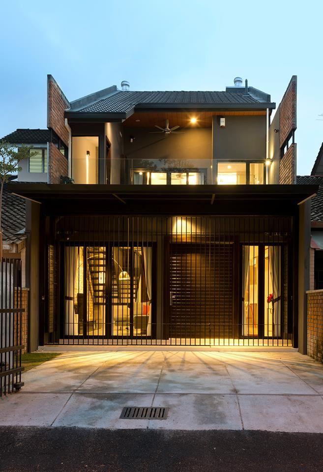 Sebuah Rumah Yang Kelihatan Unik Dan Berlainan Di Barisan Rumah Teres Satu Tingkat Ini Pasti Mengundang Orang Ramai Berasa Arsitektur Interior Arsitektur Rumah