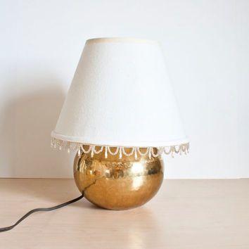 Vintage Hammered Brass Lamp Round Brass Light Ball Bedside Lamp Hollywood Regency Gold Lamp Hollywood Regency Lamp Hammered Brass Lamp
