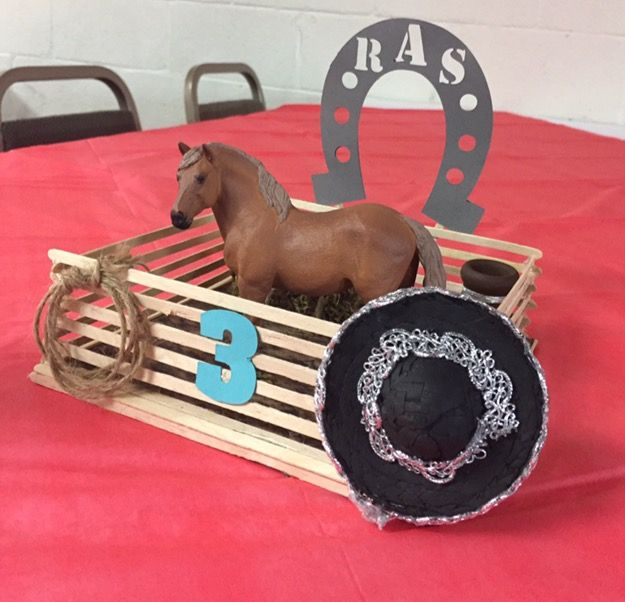 Centerpiece charro themed Western party arreglo de mesa para ...