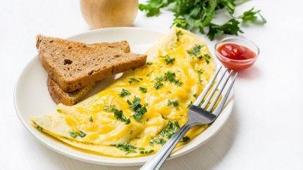 بيض اومليت بالجبن Recipe Middle East Recipes Cooking Recipes Recipes