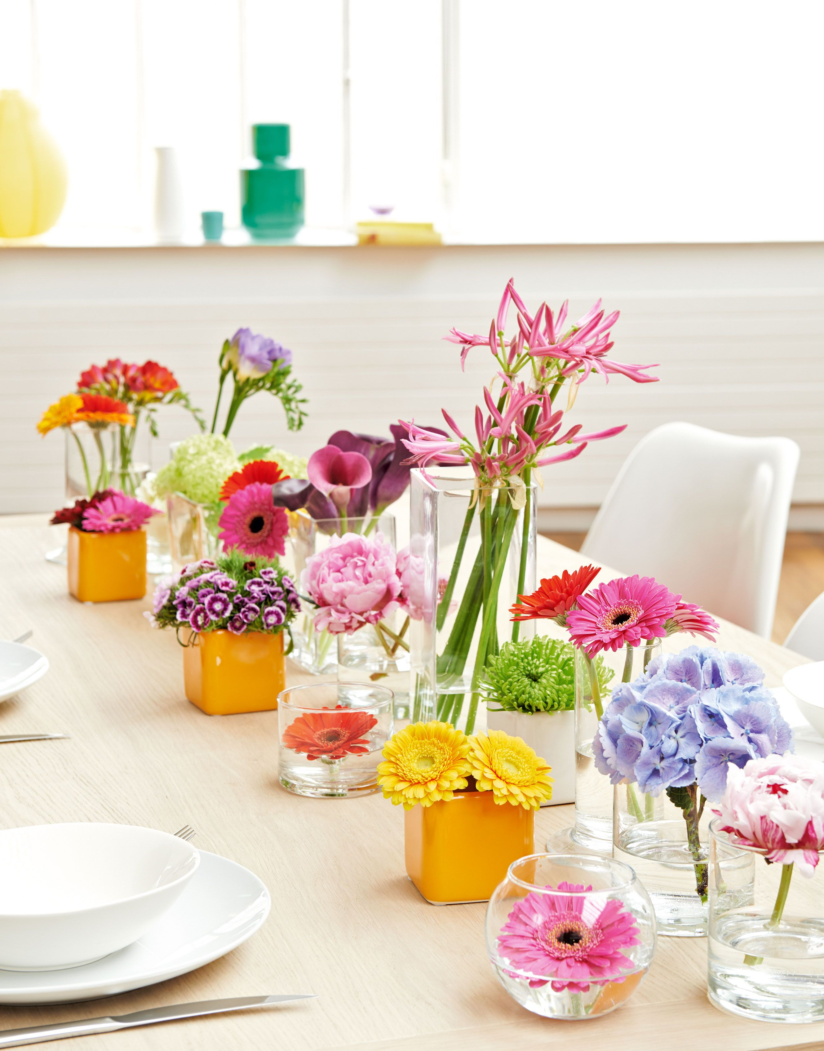 un chemin de table tout en fleurs d co table diy pinterest chemins de table en fleur. Black Bedroom Furniture Sets. Home Design Ideas