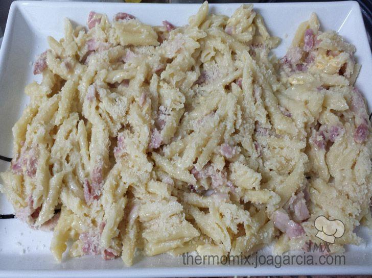 Copiada macarrones a la carbonara receta t pica italiana for Pasta tipica italiana
