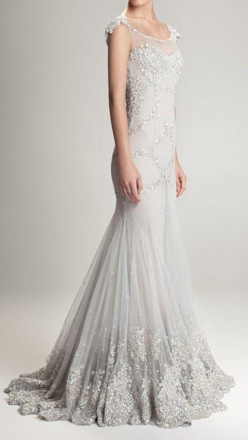5d11744ab Vestido de novia de color gris y plata. Beaded wedding gown ...