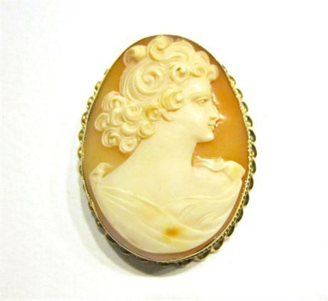 Vintage antique carved 10k gold cameo large brooch 1 34 pendant or vintage antique carved 10k gold cameo large brooch 1 34 pendant or pin genuine solid gold frame cameo jewelry stunning piece no fissures or cracking aloadofball Choice Image
