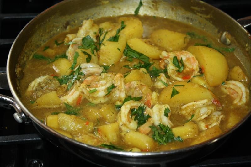 Curry shrimp with potatoes, a truly Caribbean way of ...