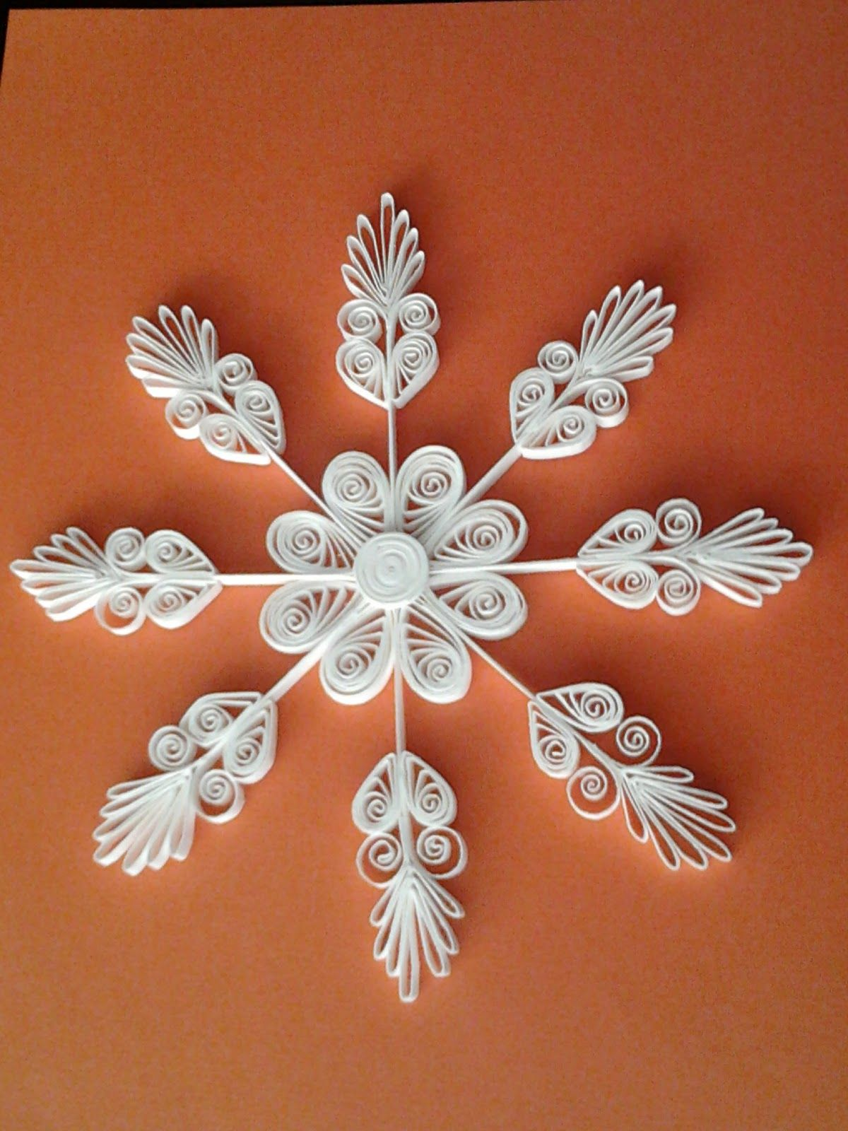 Christmas Lace Quilled Snowflake Ornaments Quilling border=
