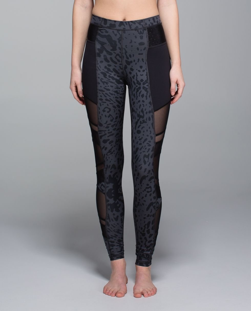 cd4ff505eb Lots of Mesh panelling and sweat-wicking fabric make these pants our Hot  yoga BFFs