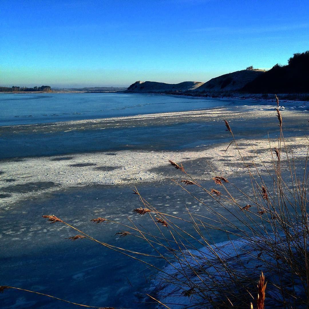 Vinterdag på Helnæs #beautiful #outdoor #nature #landscape #bestofscandinavia #worldunion #wu_europe #igers #igdaily #igscandinavia #danmark #nofilter #vsco #vscocam #picoftheday #photooftheday #instagood #instamood #instadaily #assens #assensnatur #visitassens #visitdenmark #instapic #instagram #friluftsliv #sunset #beach #sea #picoftheday #instagrammer
