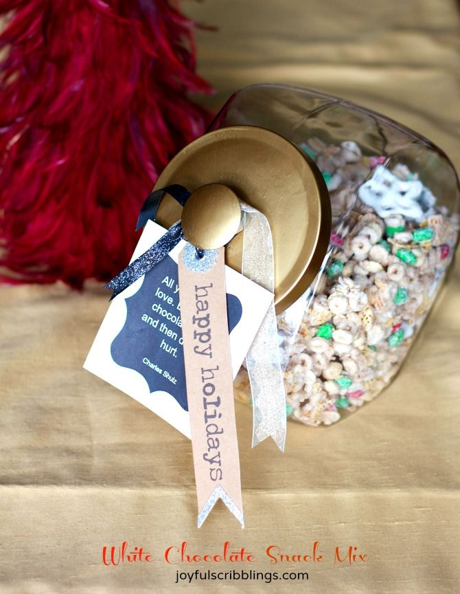White Chocolate Snack Mix makes a great food gift for friends and neighbors. No baking required and it makes a large quantity.- joyfulscribblings.com
