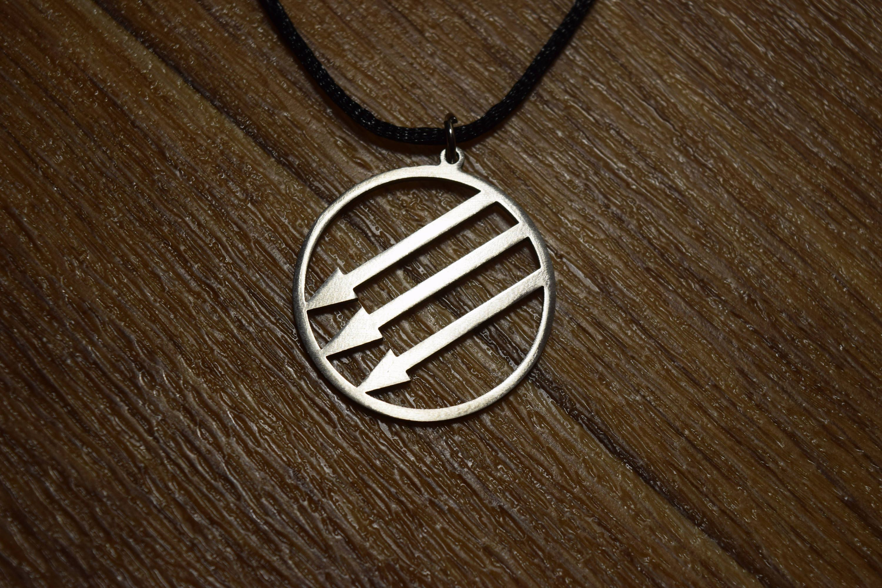 Пин на доске Necklace is made of stainless steel