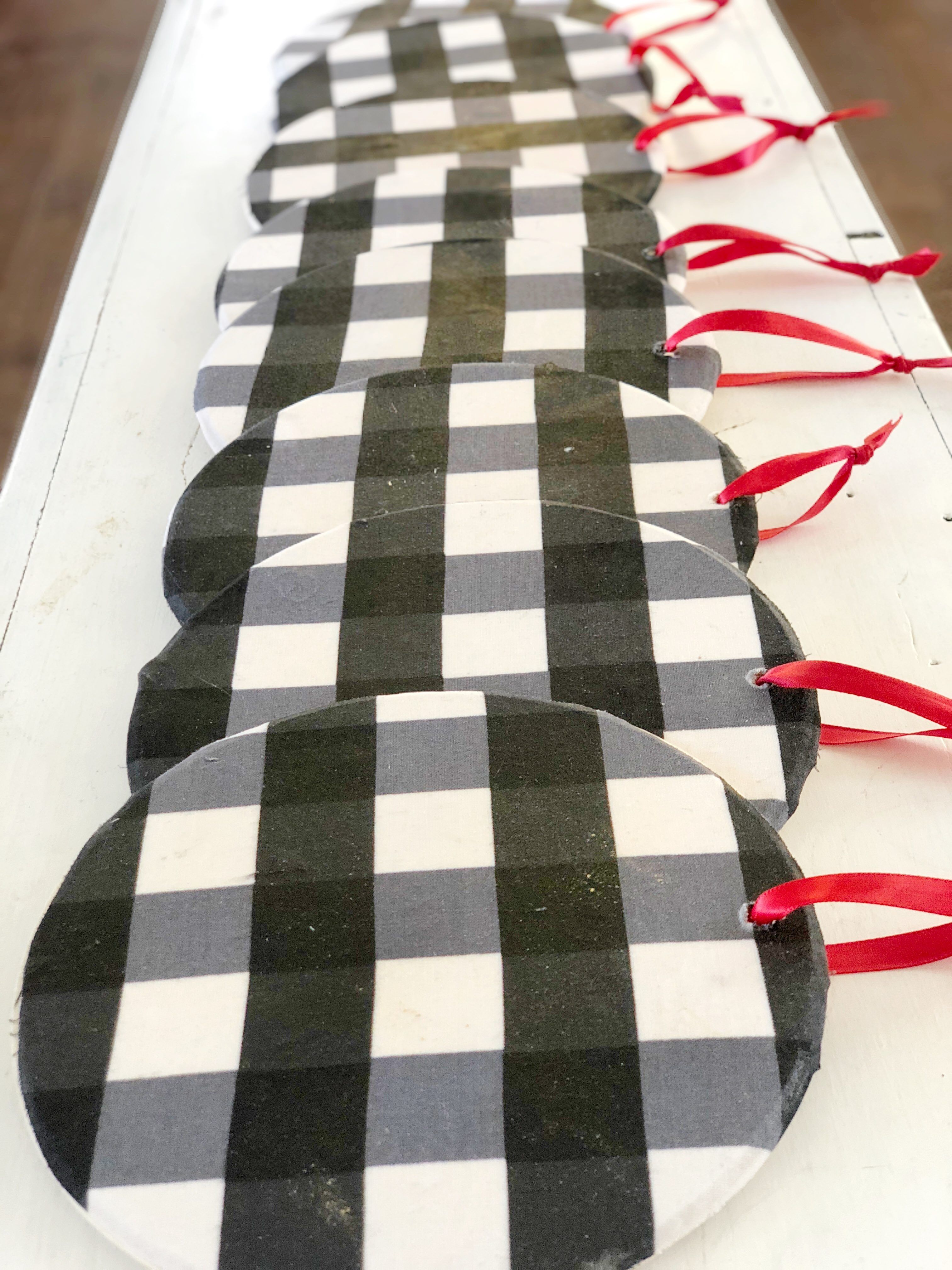 DIY Series  Week 6  Buffalo Check Ornaments is part of Farmhouse christmas ornaments, Christmas ornaments homemade, Diy christmas ornaments, Christmas decorations, Buffalo plaid christmas tree, Plaid christmas decor - Add the big bold pattern of buffalo check to your christmas decor with this easy ornament diy  buffalo trend, mad for plaid, buffalo check