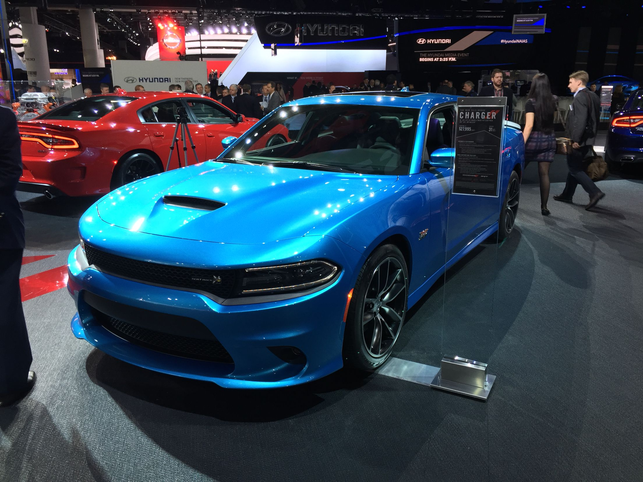 2015 dodge charger scat pack in b5 blue