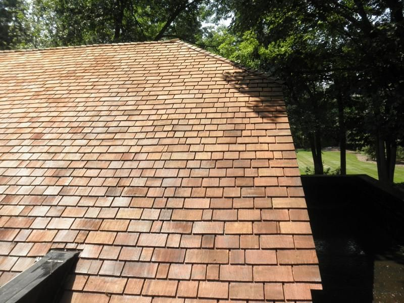 Best We Make Cedar Roofs Look Great With Our Softwash Cleaning System And Proprietary Cleaning Agents 400 x 300