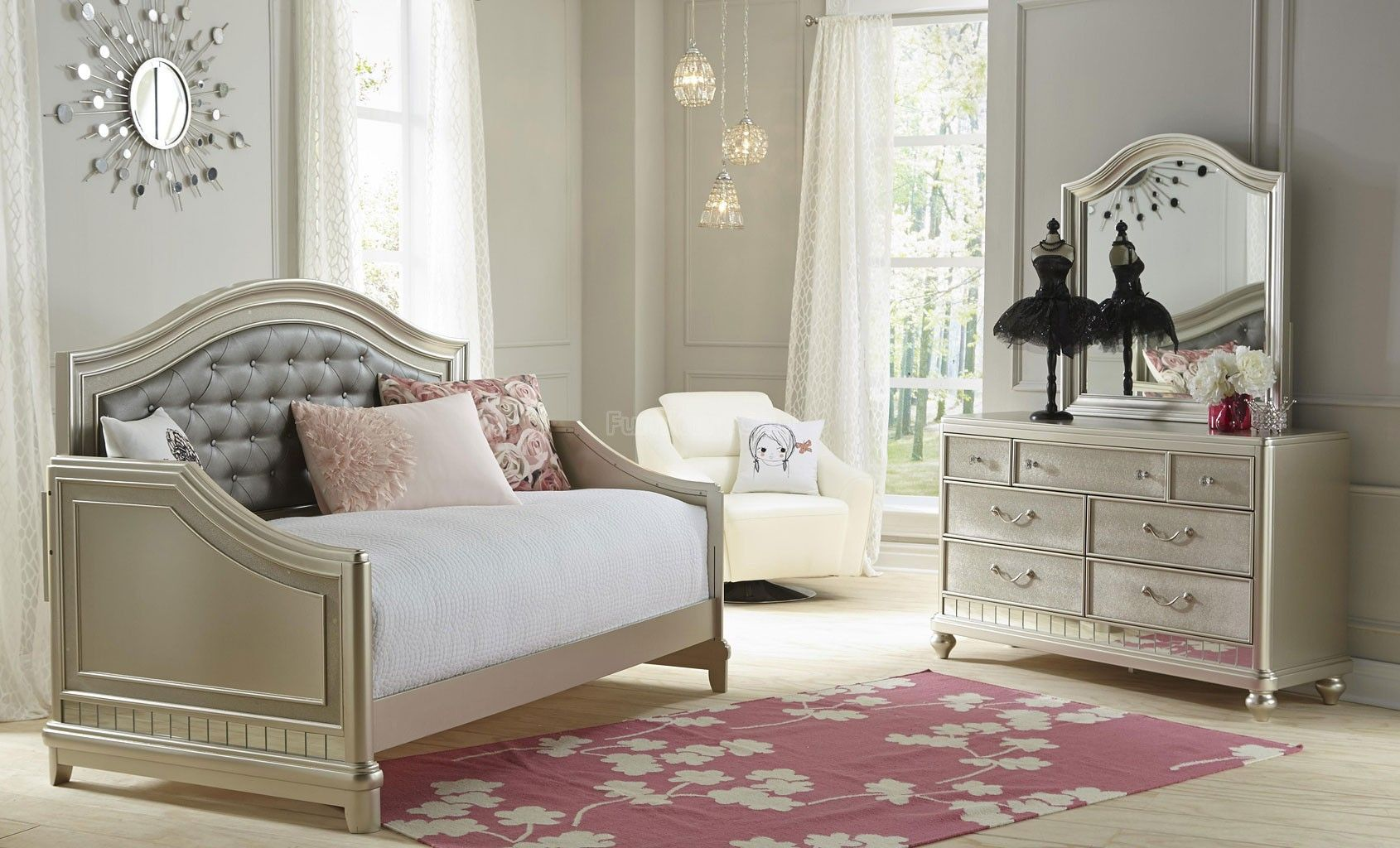 Lil Diva Daybed Bedroom Set