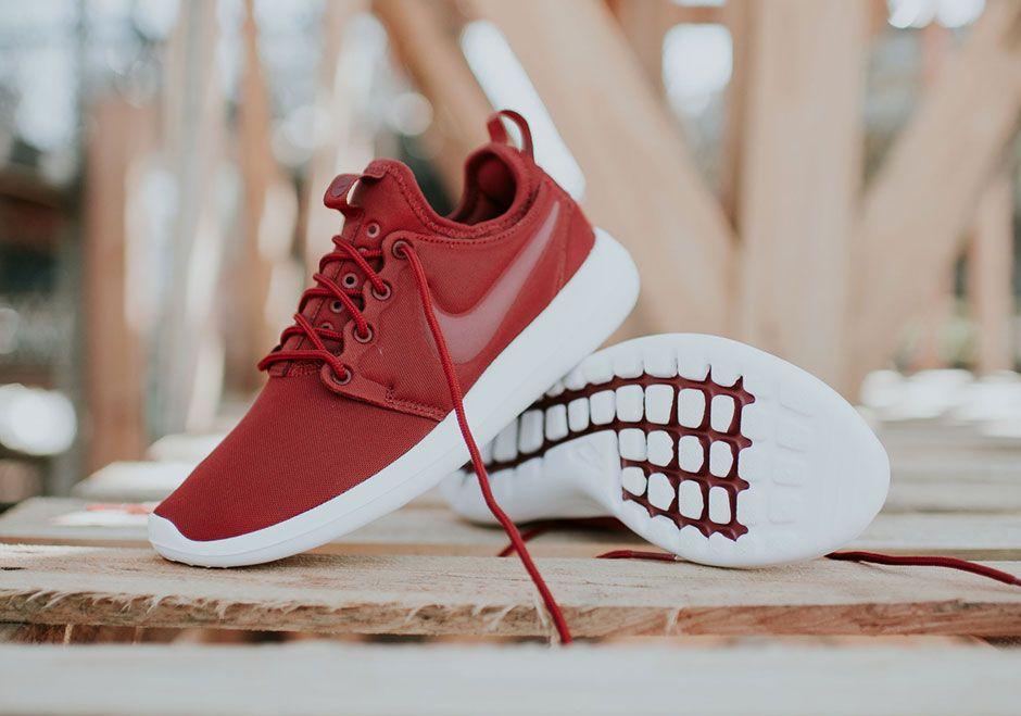 Nike Roshe Two Dark Cayenne Women's 844931 601 | What's