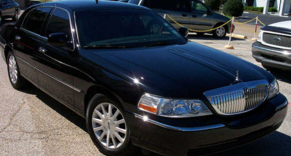 Lincoln Town Car Executive Lincoln Pinterest Cars Lincoln