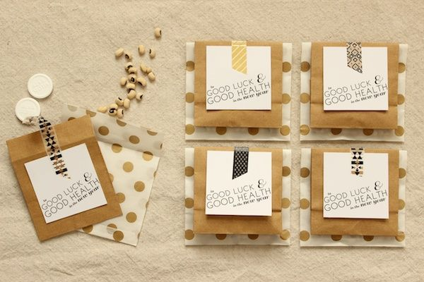 DIY Tutorial: Cheeky New Year's Eve Party Favors + Printable Tags | Tutorial + Photo: Mandy Pellegrin of Fabric Paper Glue for Oh So Beautiful Paper