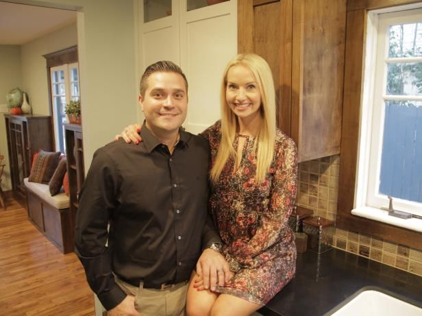 10 Things To Know About Jessie And Tina Rodriguez From Vintage Flip Hgtv Craftsman Style Bungalow Vintage