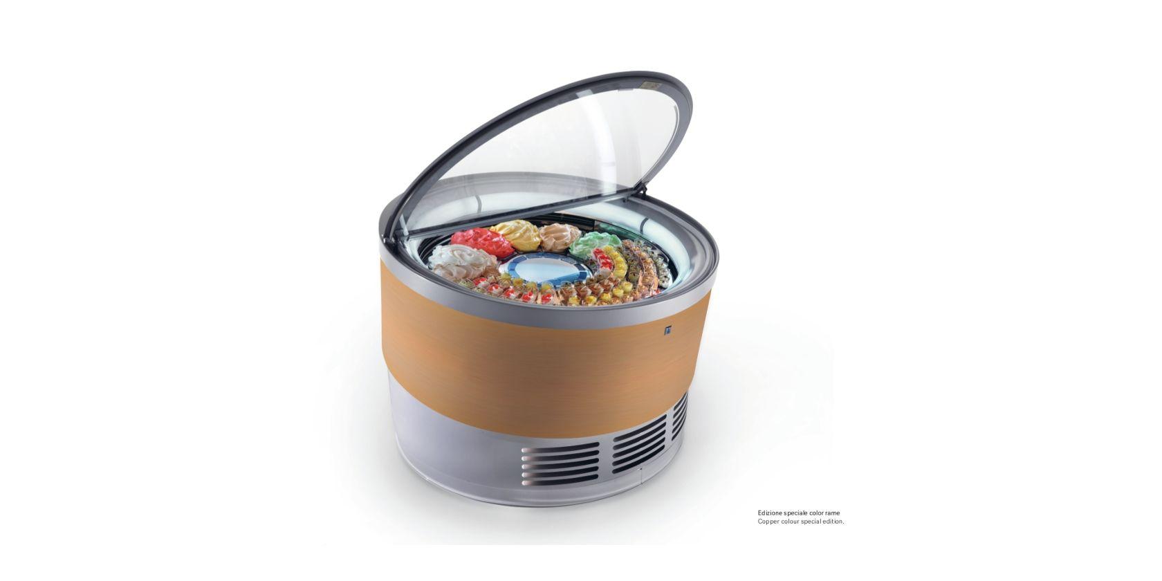 La rivoluzione della gelateria artigianale, rotonda e rotante, design di Makio Hasuike e CO. e IFI. Fa parte della collezione Farnesina Design e segnalata per il premio Compasso d'Oro ADI