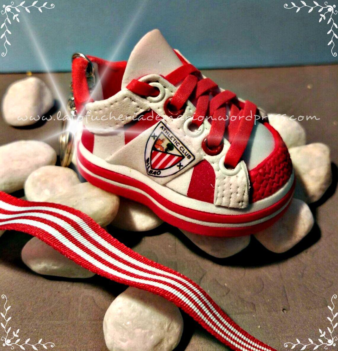 Zapatilla deportiva del AThletic de Bilbao  zapatillafofucha  handmade   lafofucheriademarion  detalleartesanal  zapatilladeportiva d935fdd3e562c