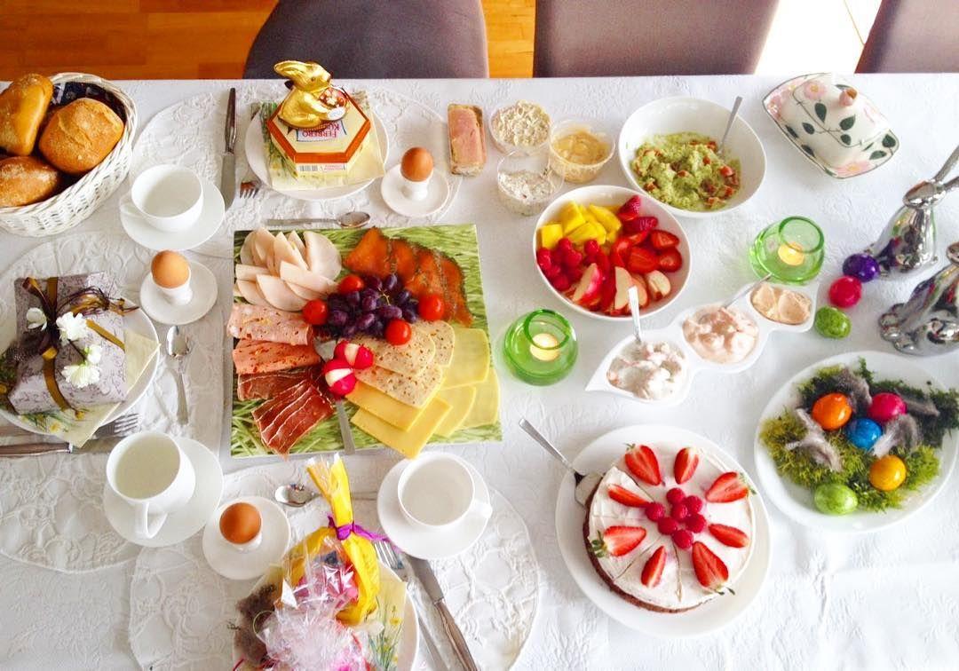 . Frohe Ostern meine Lieben  Ich starte so wundervoll in den Tag  Habt eine schöne #qualitytime  PS: Schaut mal unten rechts: meine Torte   #happyeaster  #alleswasdasherzbegehrt #frühstück #brunch #lebensqualität #igdaily #breakfast #health #happyfamily #fitness #healthysoul by elena.3107