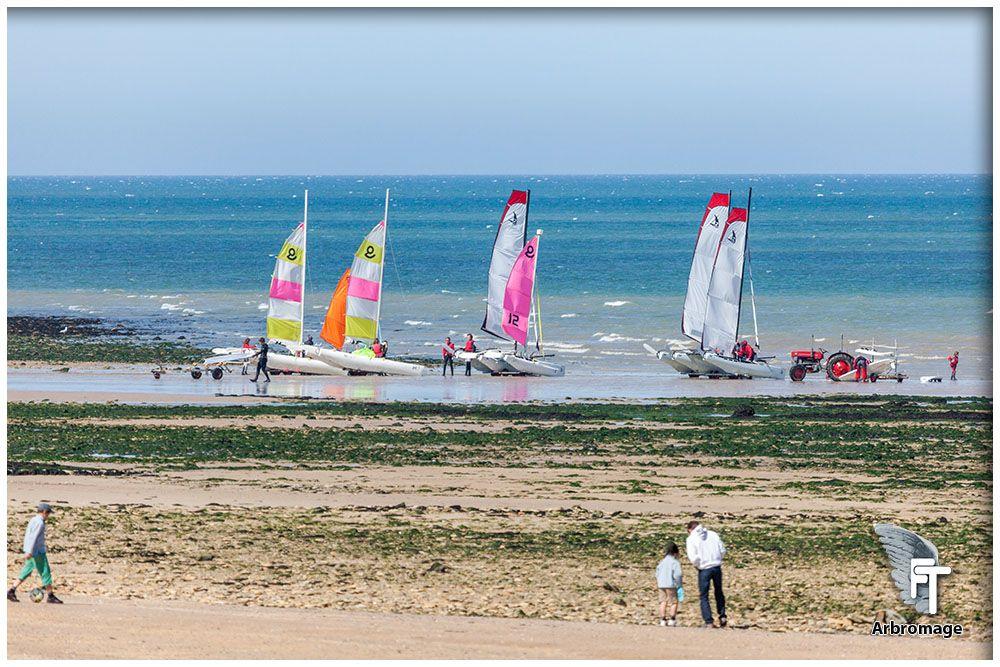 Loisir Voile Bateaux Bord De Plage Arromanches Calvados Normandie France Sport Et Loisir Loisirs Photo Professionnel