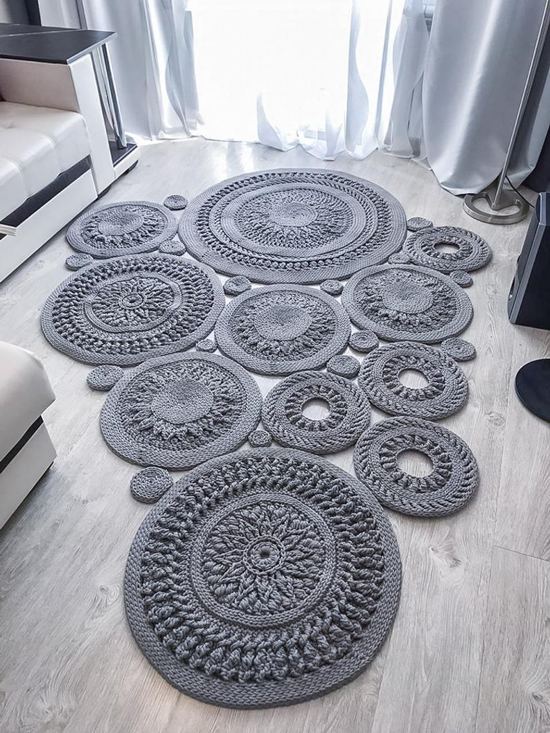Grey Crochet Rugs Panosundaki Pin